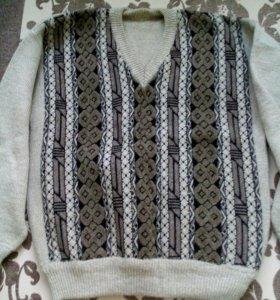 Теплый свитер новый