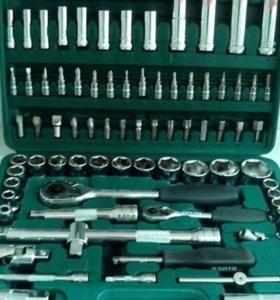 Инструменты в чемодане для авто. Новые