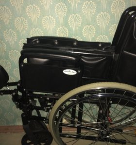 Продам инвалидное кресло-коляску