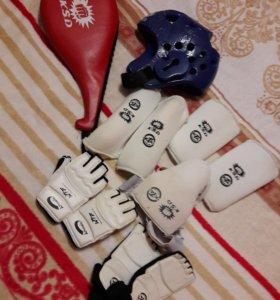 Спортивное снаряжение для техквандо