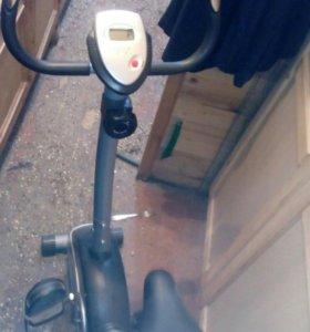 Трэнажор велосипед