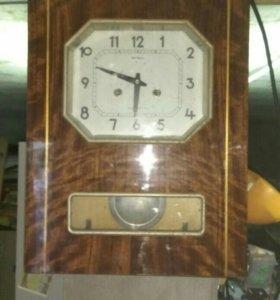 Часы 1989 года с боем.