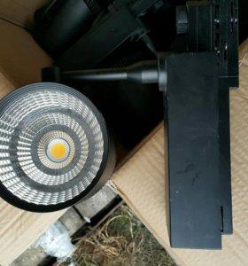 Светильник светодиодный на шинопроводе