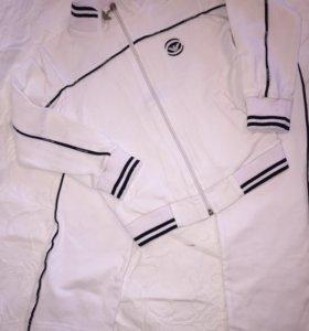 Белоснежный спортивный костюм Armani