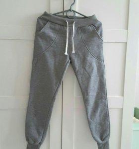 Новые спортивные брюки с начесом
