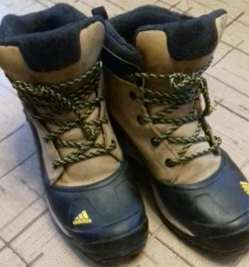 Ботинки adidas размер 38,5