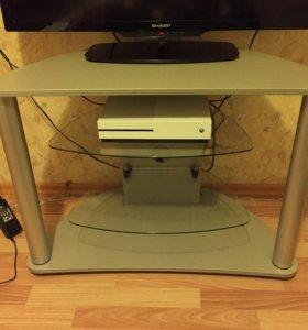 Столик под ТВ