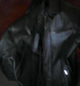 Куртка из натуральной кожи,почти новая