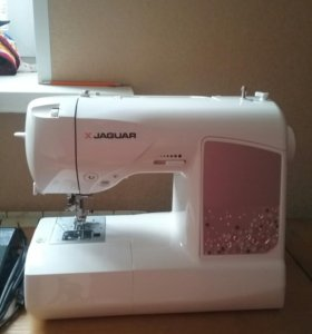 Швейная машина Ягуар