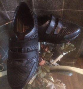 Кожаные кроссовки Louis Vuitton