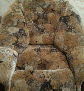 кресло-кровать , в хорошем состоянии , торг
