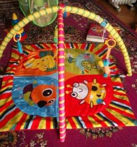 Развивающий коврик и игрушки