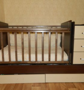 Детская кровать трансформер с комодом