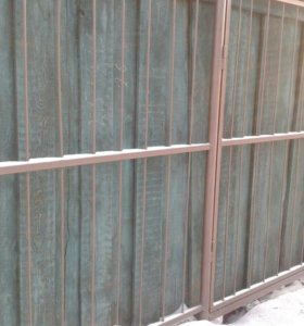 Забор б.у. из дерева. .(на фото-зеленый)
