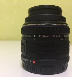 Объектив Olympus 14-42mm f/3.5-5.6