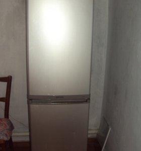 Холодильник , телевизор,