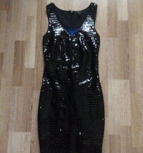 Платье пайетки 42р