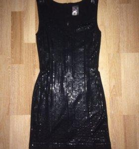 Платье пайетки 42р новое
