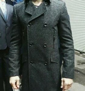 Пальто, костюмы, брюки, рубашки (новое на рынке)