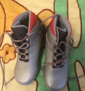 Ботинки лыжные для девочки