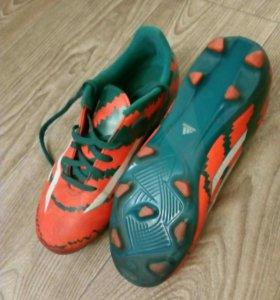 Бутсы футбольные Adidas р-р 35