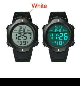 Электронные водонепроницаемые часы