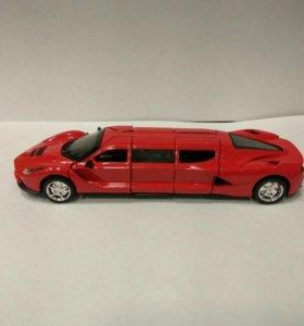 Машинка моделька лимузин