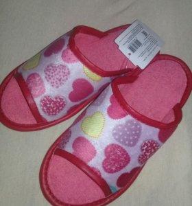 Тапочки для девочки (домашние)