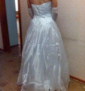 Свадебное платье и каблуки