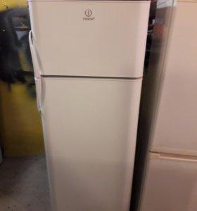 Холодильник Indesit. Доставка