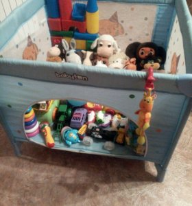 Детская кроватка и манеж