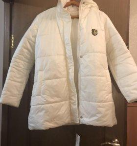 Белая куртка новая