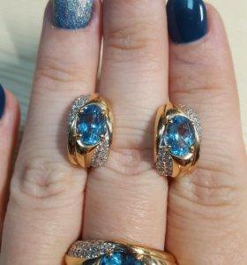 Золотой комплект серьги и кольцо с топазами