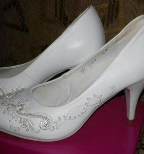 Туфли и перчатки