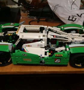 Lego Technic (суперкар/внедорожник)