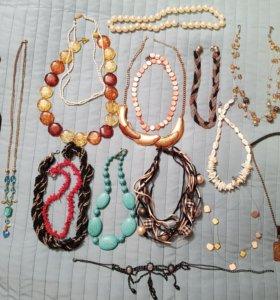 Бижутерия:серьги, бусы, браслеты