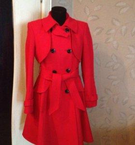 Новое стильное пальто 44-48 р из Европы