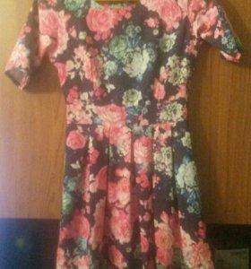 Платья для девочки, размер 40.