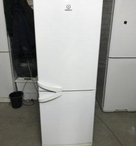 Холодильник Indesit (2/камерный) 175см