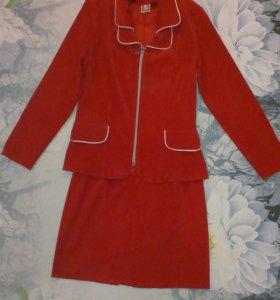 Костюм (пиджак, юбка) на девочку подростка