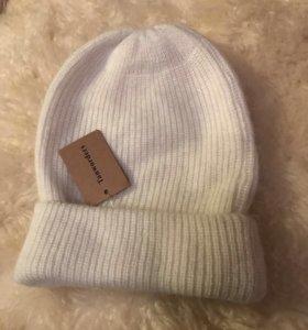 Шерстяная шапка с ангоркой