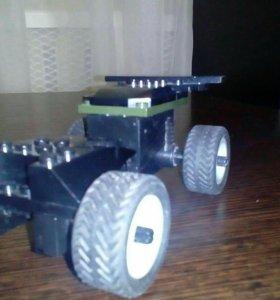 Гоночная машина на натяжной моторе