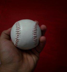Бейсбольный мячик