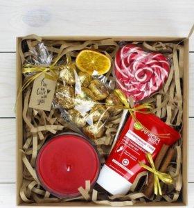 Подарочный набор коробка новогодний гарниер крем