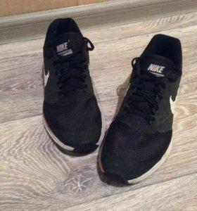 Кроссовки Nike, размер 38,5