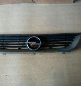 Решетка радиатора opel vectra b дорест.