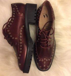 Винные ботинки от wanessa wu