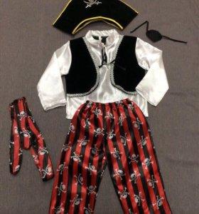 Карнавальные костюмы ,,Пират,, и др