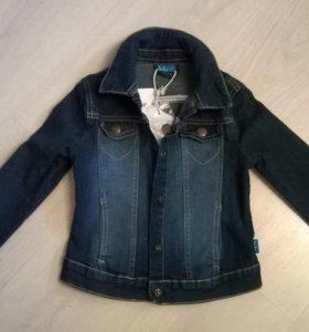 Куртка джинсовая НОВАЯ на 3-4 года