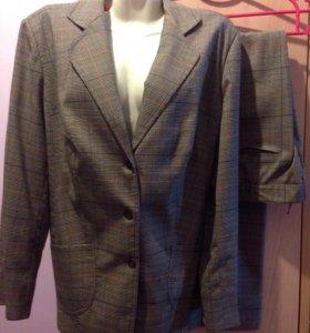 Офисный костюм р .54